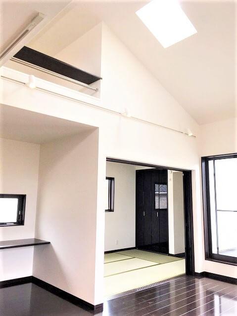 天井高4.2mが決めて!使う人の立場で考えたシックモダンな住まい